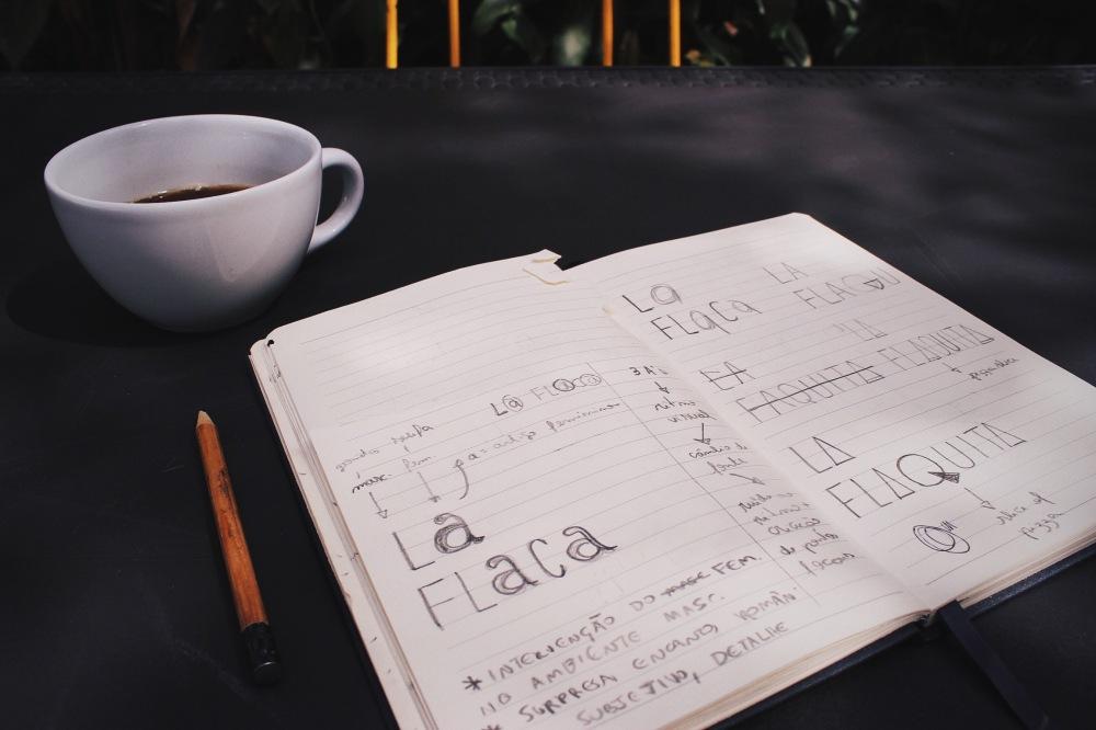 Aquela foto manjada de cafézinho com sketchbook e tals